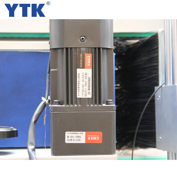 YTK-600 automatic double sides labeling machine high speed servo motor double-sided label machine
